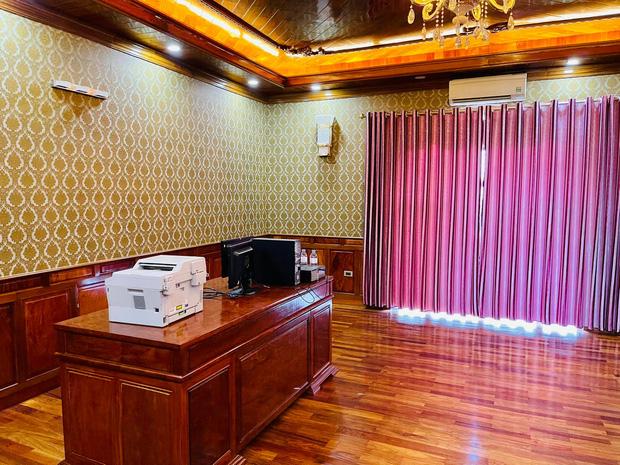 Biệt thự bề thế của gia đình 9X Bắc Ninh: Diện tích 400m2 với 4 tầng, nội thất tinh xảo toàn gỗ nguyên khối nhập từ Lào-11