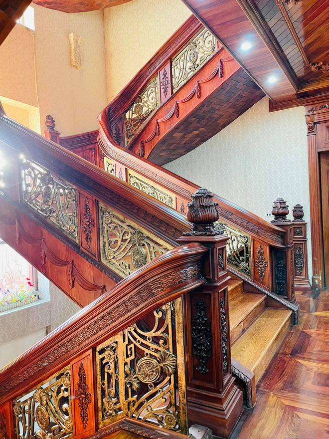 Biệt thự bề thế của gia đình 9X Bắc Ninh: Diện tích 400m2 với 4 tầng, nội thất tinh xảo toàn gỗ nguyên khối nhập từ Lào-13