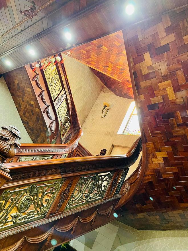 Biệt thự bề thế của gia đình 9X Bắc Ninh: Diện tích 400m2 với 4 tầng, nội thất tinh xảo toàn gỗ nguyên khối nhập từ Lào-14