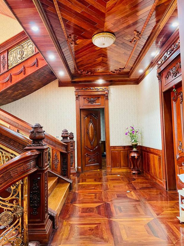 Biệt thự bề thế của gia đình 9X Bắc Ninh: Diện tích 400m2 với 4 tầng, nội thất tinh xảo toàn gỗ nguyên khối nhập từ Lào-15