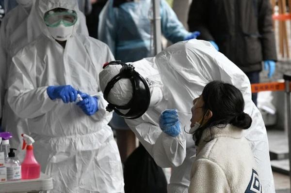 Bi kịch giữa địa ngục Ấn Độ: Bác sĩ chống Covid-19 treo cổ tự tử khi dịch bệnh đang cực kỳ căng thẳng-2