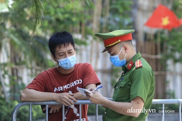 Hà Nội phong tỏa chung cư có nữ nhân viên quán bar ở Vĩnh Phúc dương tính SARS-CoV-2 sau khi tiếp xúc chuyên gia Trung Quốc-7