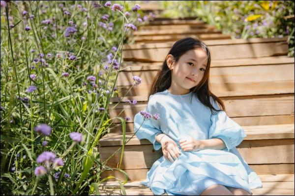 Công chúa nhà HH Hà Kiều Anh đối đáp siêu đáng yêu, chị em chấp nhận sự thật : Đúng là trong nhà mẹ đóng vai ác!-2