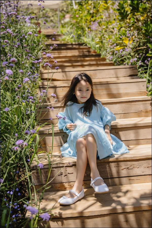 Công chúa nhà HH Hà Kiều Anh đối đáp siêu đáng yêu, chị em chấp nhận sự thật : Đúng là trong nhà mẹ đóng vai ác!-4
