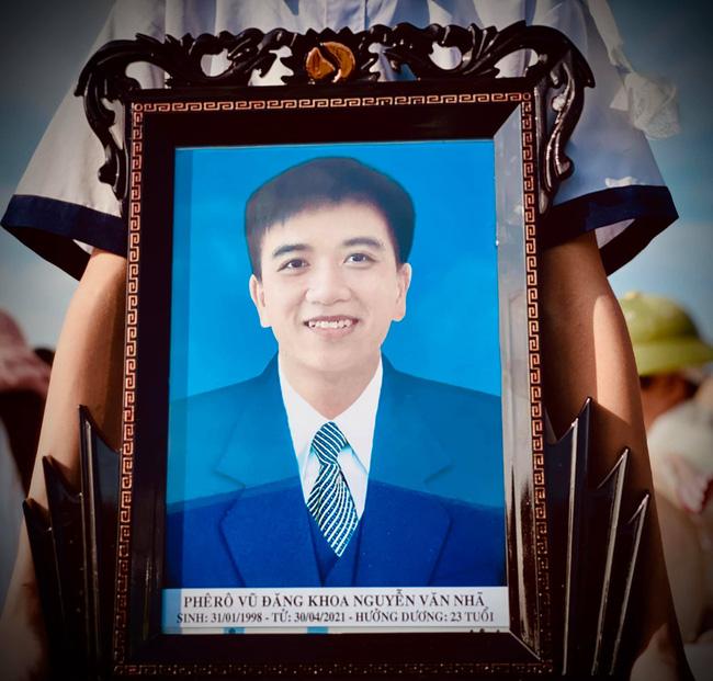 Chủ tịch nước: Xem xét công nhận liệt sĩ đối với nam sinh Nghệ An quên mình lao ra biển cứu sống 4 nữ sinh-2