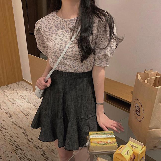 10 cách diện áo hoa cực xinh yêu từ gái Hàn, áp dụng theo thì style chỉ có chuẩn sang xịn-6