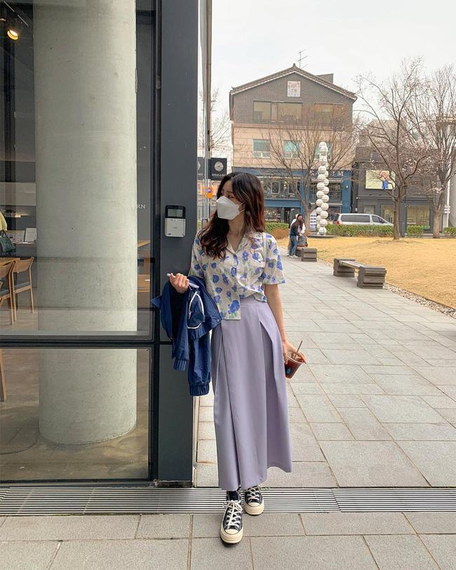10 cách diện áo hoa cực xinh yêu từ gái Hàn, áp dụng theo thì style chỉ có chuẩn sang xịn-8