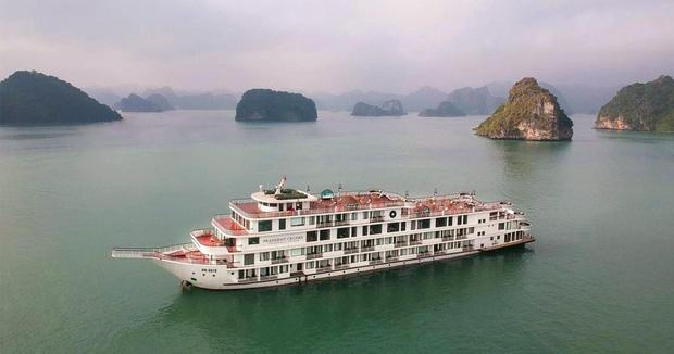 Quảng Ninh cách ly du thuyền 5 sao cùng 182 người trên vịnh Hạ Long-1