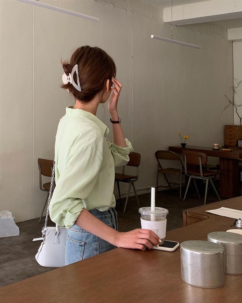 Diện áo sơ mi thì để kiểu tóc nào là sang xịn mịn nhất? Gái Hàn sành điệu mách bạn 5 gợi ý chuẩn chỉnh-13
