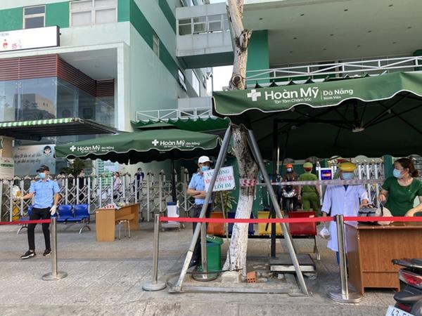 Lịch trình dày đặc của nam nhân viên spa dương tính với SARS-CoV-2 ở Đà Nẵng: Đến bến xe, bar, karaoke, siêu thị, cafe-1