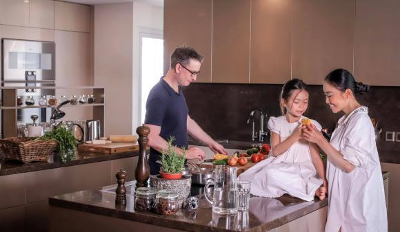 Không gian bếp sang trọng, tiện nghi như nhà hàng của ca sĩ Đoan Trang-8