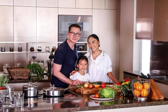 Không gian bếp sang trọng, tiện nghi như nhà hàng của ca sĩ Đoan Trang-16