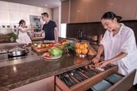 Không gian bếp sang trọng, tiện nghi như nhà hàng của ca sĩ Đoan Trang
