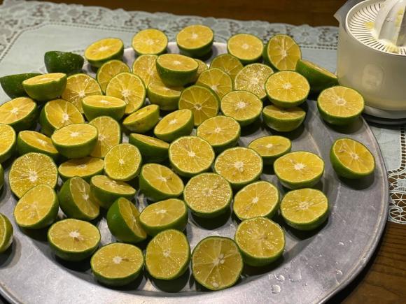 Bảo quản chanh ăn quanh năm: Để cả quả cấp đông thì bị đắng, hỏng nhưng làm theo cách này đảm bảo thành công và hương vị không đổi-1