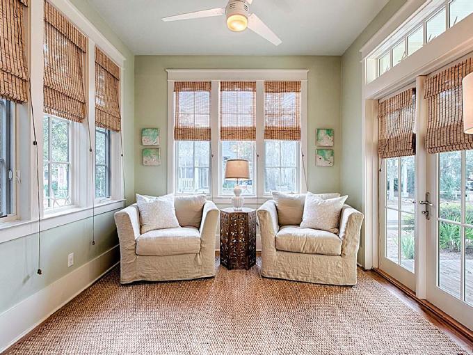 Ý tưởng nhà gỗ đầy màu sắc được thiết kế theo phong cách đơn giản nhưng nhìn góc nào cũng hấp dẫn bởi những chi tiết độc đáo này-12