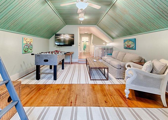 Ý tưởng nhà gỗ đầy màu sắc được thiết kế theo phong cách đơn giản nhưng nhìn góc nào cũng hấp dẫn bởi những chi tiết độc đáo này-20