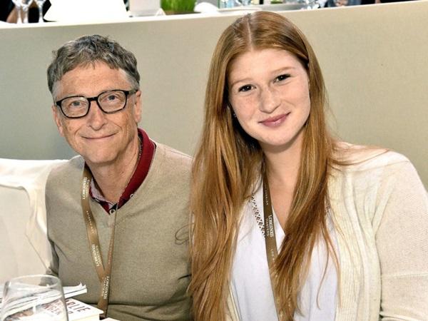 Con gái cả của Bill Gates lần đầu lên tiếng về vụ ly hôn chấn động của cha mẹ: Đây là khoảng thời gian thách thức đối với cả gia đình-2
