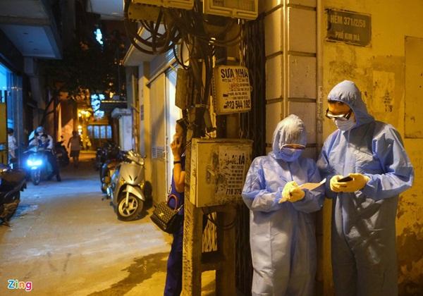 Phong tỏa nơi ở của bác sĩ mắc Covid-19 tại Hà Nội-2