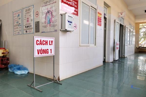 Phát hiện 2 người nghi nhiễm COVID-19 trở về từ Đà Nẵng-1