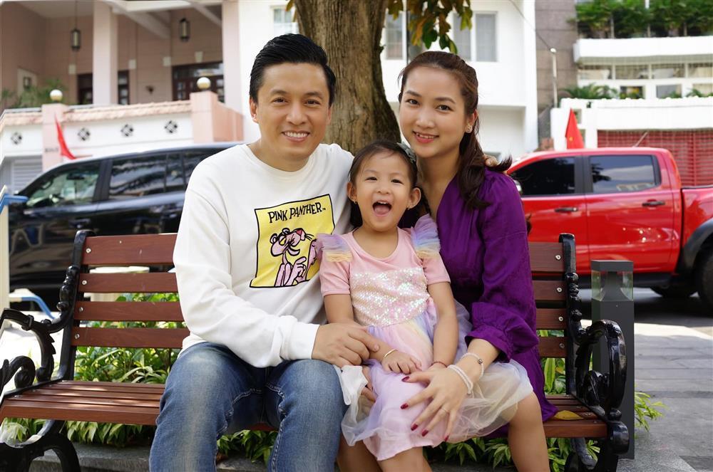 Vợ kém 17 tuổi của anh Hai Lam Trường kể chuyện đi đẻ cực hài, tiết lộ cả vấn đề giường chiếu sau sinh-7