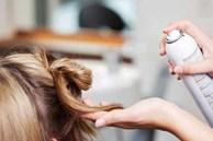 Sử dụng keo xịt tóc theo cách này giúp nhà cửa sạch sẽ, công việc dọn dẹp dễ dàng gấp nghìn lần