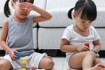 """Ép trẻ chơi đồ chơi thông minh để học """"kiến thức"""", cha mẹ chẳng giúp trẻ giỏi lên mà còn ngày càng thụt lùi"""