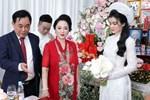 Luôn tự nhận mình đẹp, doanh nhân Nguyễn Phương Hằng liệu có lép vế khi đứng cạnh bà sui trong lễ đính hôn của con trai?-10