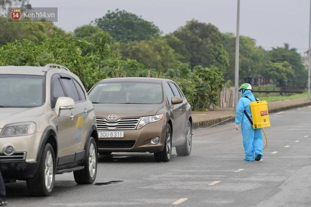 Chủ tịch Hà Nội: Phong toả BV Bệnh Nhiệt đới Trung ương cơ sở 2 do có ca dương tính mới ở cả bác sĩ, bệnh nhân, người nhà-4