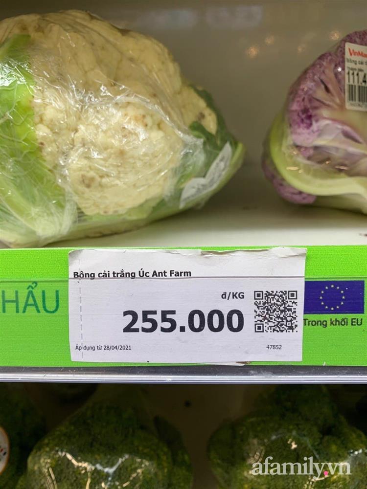 Xách làn đi siêu thị, bà nội trợ hơi choáng vì cái súp lơ với bắp cải có giá lên đến 300k-3