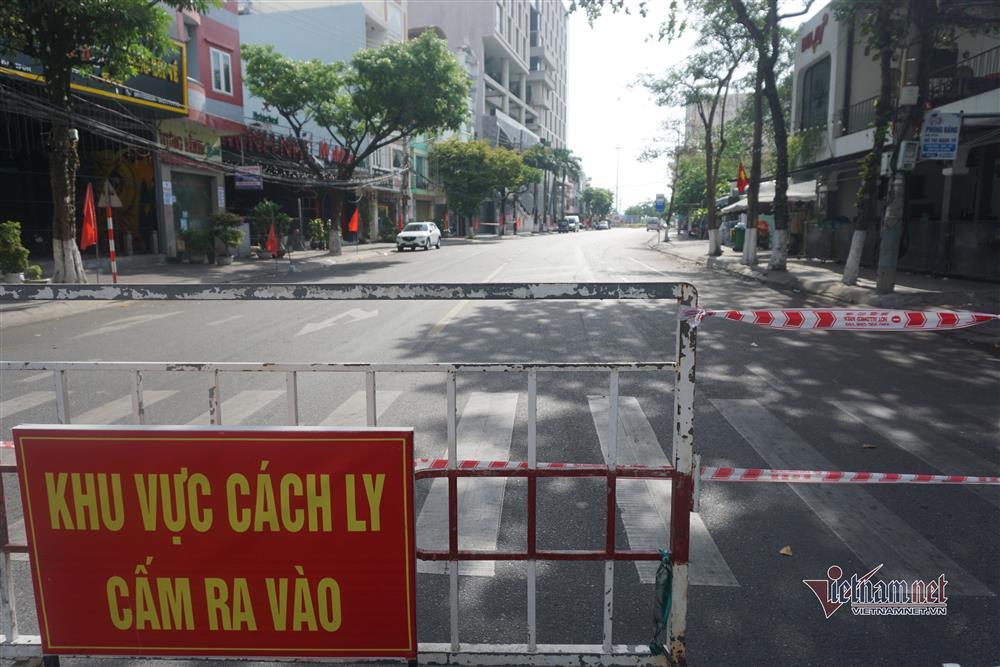 Phong tỏa khu dân cư xung quanh vũ trường lớn nhất Đà Nẵng-1