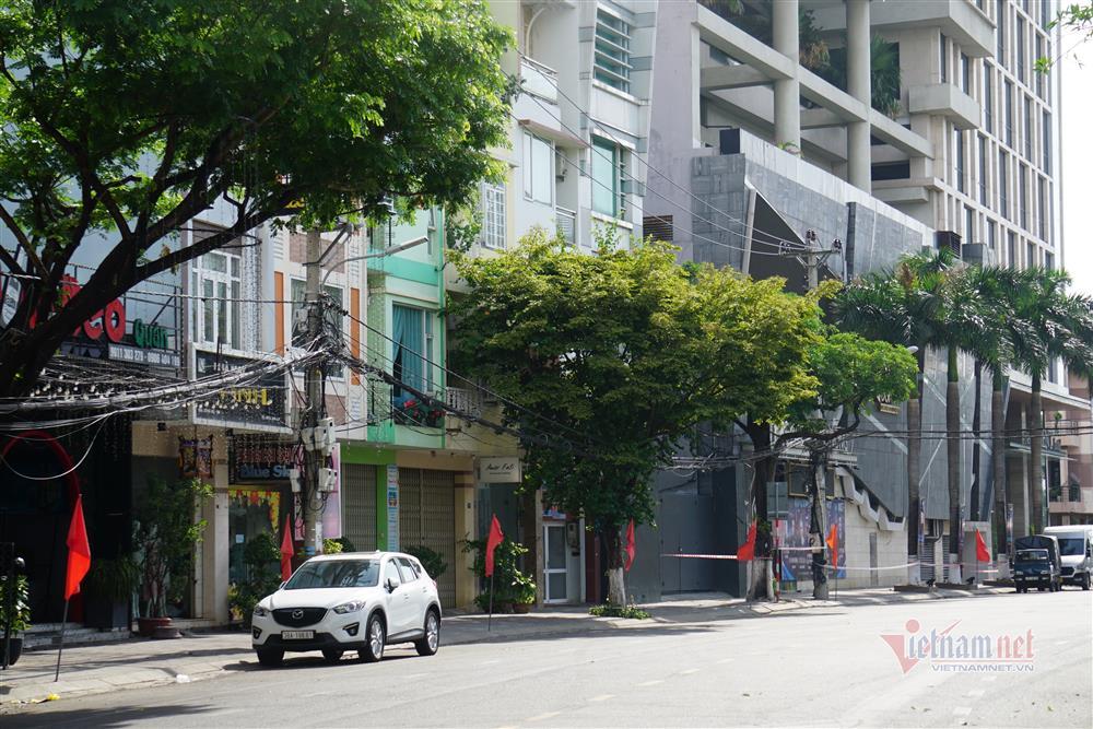 Phong tỏa khu dân cư xung quanh vũ trường lớn nhất Đà Nẵng-4