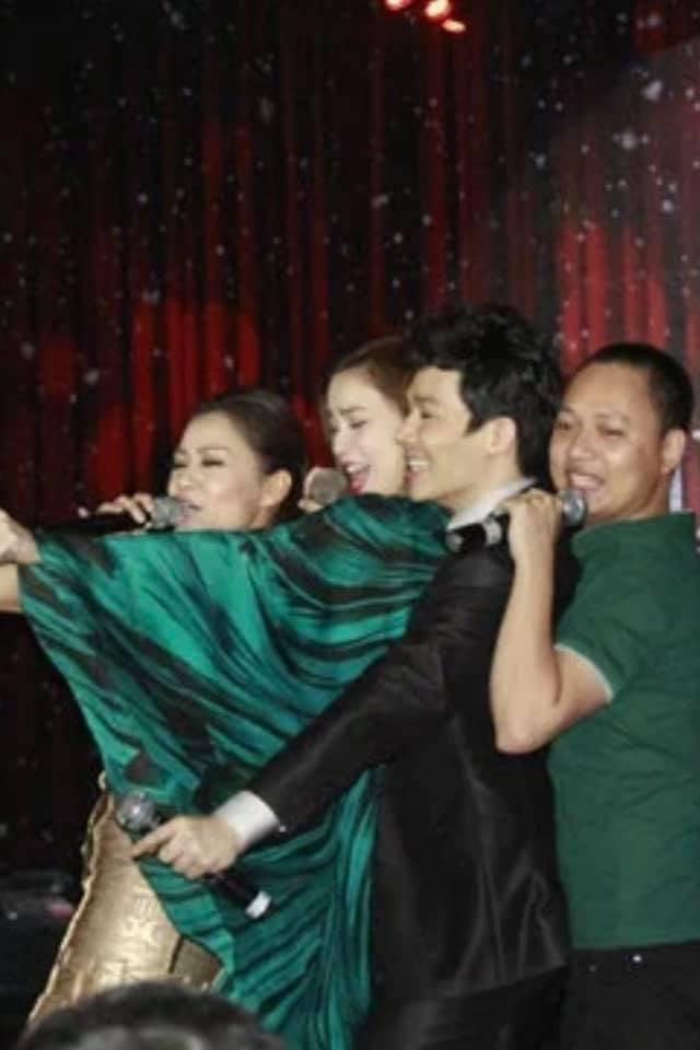 Nathan Lee - Thu Minh thân thiết thế nào trước khi nam ca sĩ bóc phốt có kẻ chơi xấu Hương Tràm ở The Voice?-5