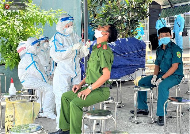 Đà Nẵng phong tỏa 1 chung cư, xét nghiệm 500 người vì liên quan đến ca dương tính với SARS-CoV-2-5