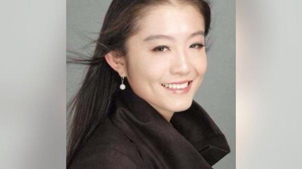 Rộ tin đồn nữ nhân viên Trung Quốc trẻ đẹp là kẻ thứ 3 khiến vợ chồng Bill Gates ly hôn, người trong cuộc lên tiếng-1