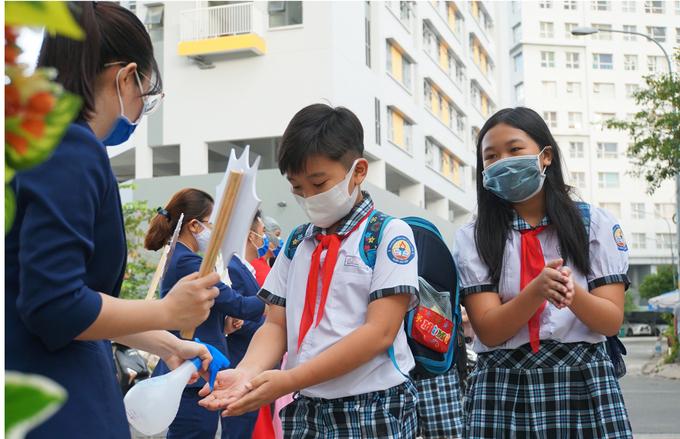 CHÍNH THỨC: TP.HCM thông báo cụ thể mốc thời gian học sinh trên địa bàn được nghỉ để phòng chống dịch Covid-19-1
