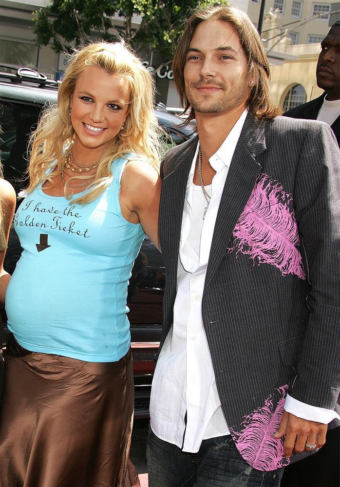 Ai đã khiến Britney Spears sụp đổ đến điên loạn?-2