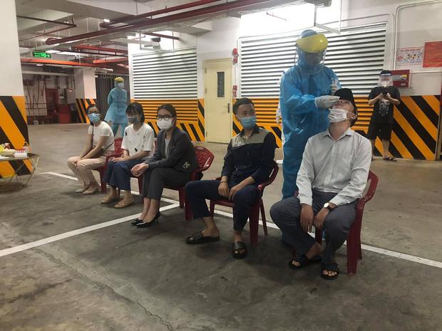 Lịch trình của 3 ca dương tính SARS-CoV-2 liên quan đến vũ trường lớn nhất Đà Nẵng: Đến nhà bạn nhậu, đi tập gym, ăn bún-2