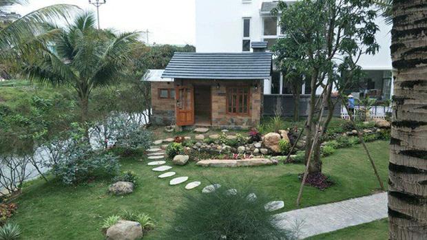 """Biệt phủ rộng thênh thang, kết cấu như resort của Xuân Bắc: Được xây bằng gỗ tự nhiên, nhìn toàn cảnh sân vườn thôi mà choáng""""-6"""