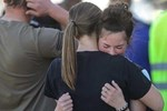 Chấn động: Nữ sinh lớp 6 xả súng ở trường học Mỹ khiến 3 người bị thương, học sinh và phụ huynh hoảng loạn tột độ