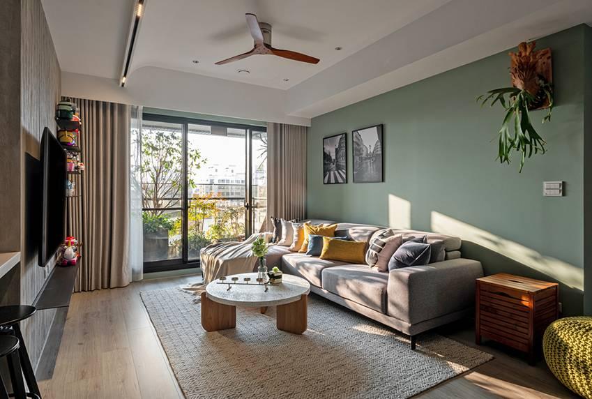 Căn nhà có diện tích 24m2 với lối thiết kế thông minh giúp không gian cực kỳ thoáng mát, mỗi bước chân như lạcvào khu rừng xanh tươi-9