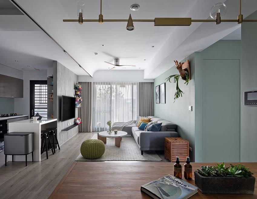 Căn nhà có diện tích 24m2 với lối thiết kế thông minh giúp không gian cực kỳ thoáng mát, mỗi bước chân như lạcvào khu rừng xanh tươi-8