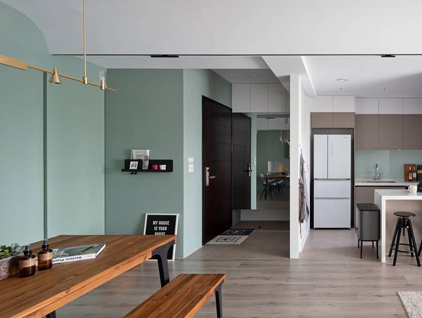 Căn nhà có diện tích 24m2 với lối thiết kế thông minh giúp không gian cực kỳ thoáng mát, mỗi bước chân như lạcvào khu rừng xanh tươi-19