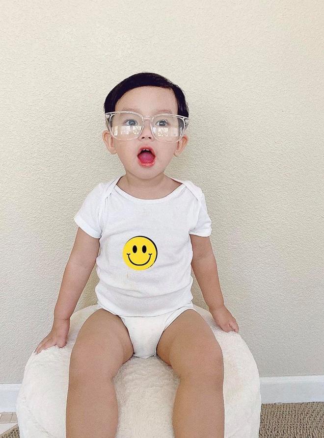 Phạm Hương tung ảnh quý tử lúc 4 tháng tuổi, H'Hen Niê và bạn gái Phillip Nguyễn nhanh như chớp bình luận điều này!-7
