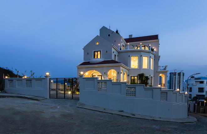 Vợ chồng Hà Nội về Nha Trang tránh dịch, xây biệt thự hướng biển tuyệt đẹp trên mảnh đất 590m2-2