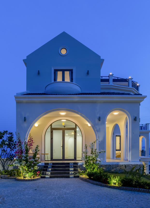 Vợ chồng Hà Nội về Nha Trang tránh dịch, xây biệt thự hướng biển tuyệt đẹp trên mảnh đất 590m2-4