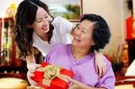 Ngày của Mẹ nên tặng gì vừa hợp túi tiền lại vừa ý nghĩa?