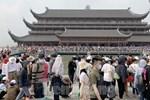 Tìm người đến chùa Tam Chúc và 8 địa điểm khác liên quan các ca nghi nhiễm Covid-19