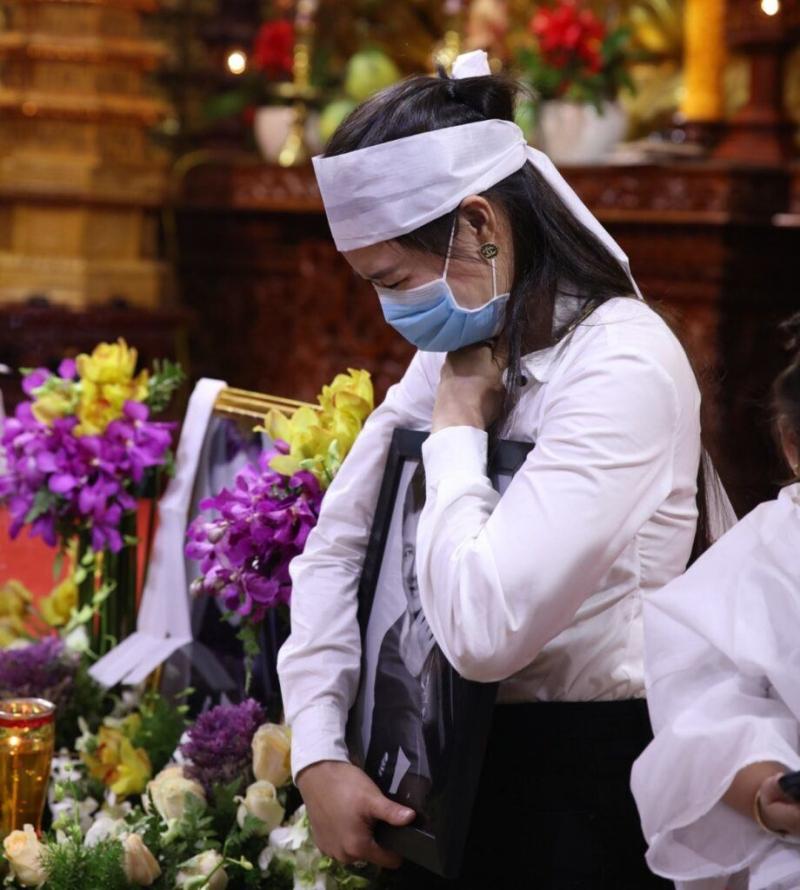 Bị tố lừa đảo 100 triệu chi phí tang lễ NS Vân Quang Long, Linh Lan tuyên bố: Đã báo công an và đang đợi kết quả-1
