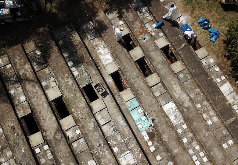 Loạt ảnh khiến thế giới rùng mình ở ổ dịch tang tóc không thua địa ngục Covid-19 Ấn Độ với hơn 4.000 người chết/ngày và lời kêu cứu vô vọng-15