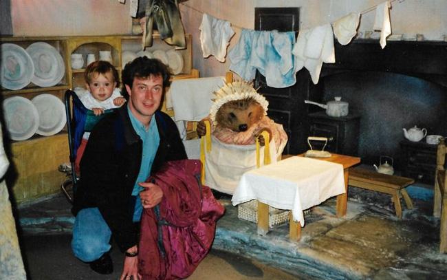 Bố đột tử không rõ nguyên nhân, con gái quyết tìm cho ra nguyên do nhưng 14 năm sau thủ phạm lộ diện khiến bản thân cô cũng run rẩy-2